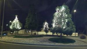2015-12-11 Luces Navidad Rotonda acceso a Joven Futura