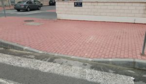 2017-04-29 Aceras reparadas para discapacitados