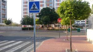 2017-05-19 Señal peatones repuesta en c/ Margarita Lozano