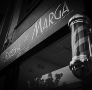 Fachada de la Barbería de Marga