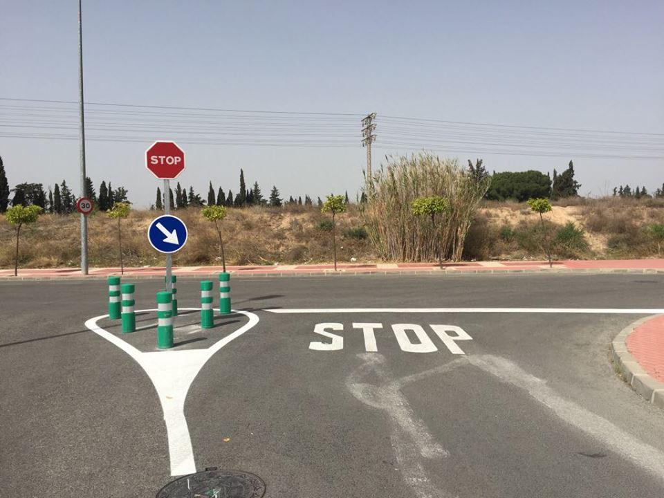 Señalización Cruce Avenida Joven Futura con calle Huerto del Vizconde - Foto 2