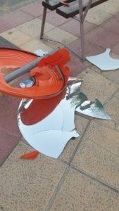2020-09-03 Espejo roto en Avenida Montesinos