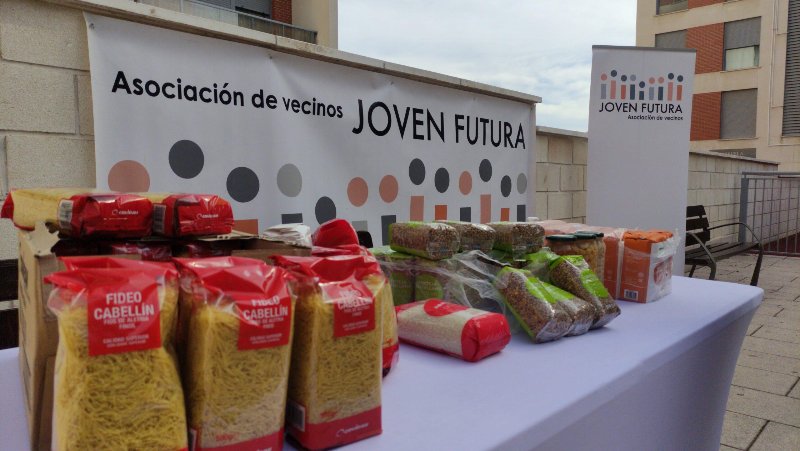2020-10-23 Pequeña muestra de los 500kg de productos donados por la Asociación de Vecinos de Joven Futura a Cáritas parroquial de Espinardo