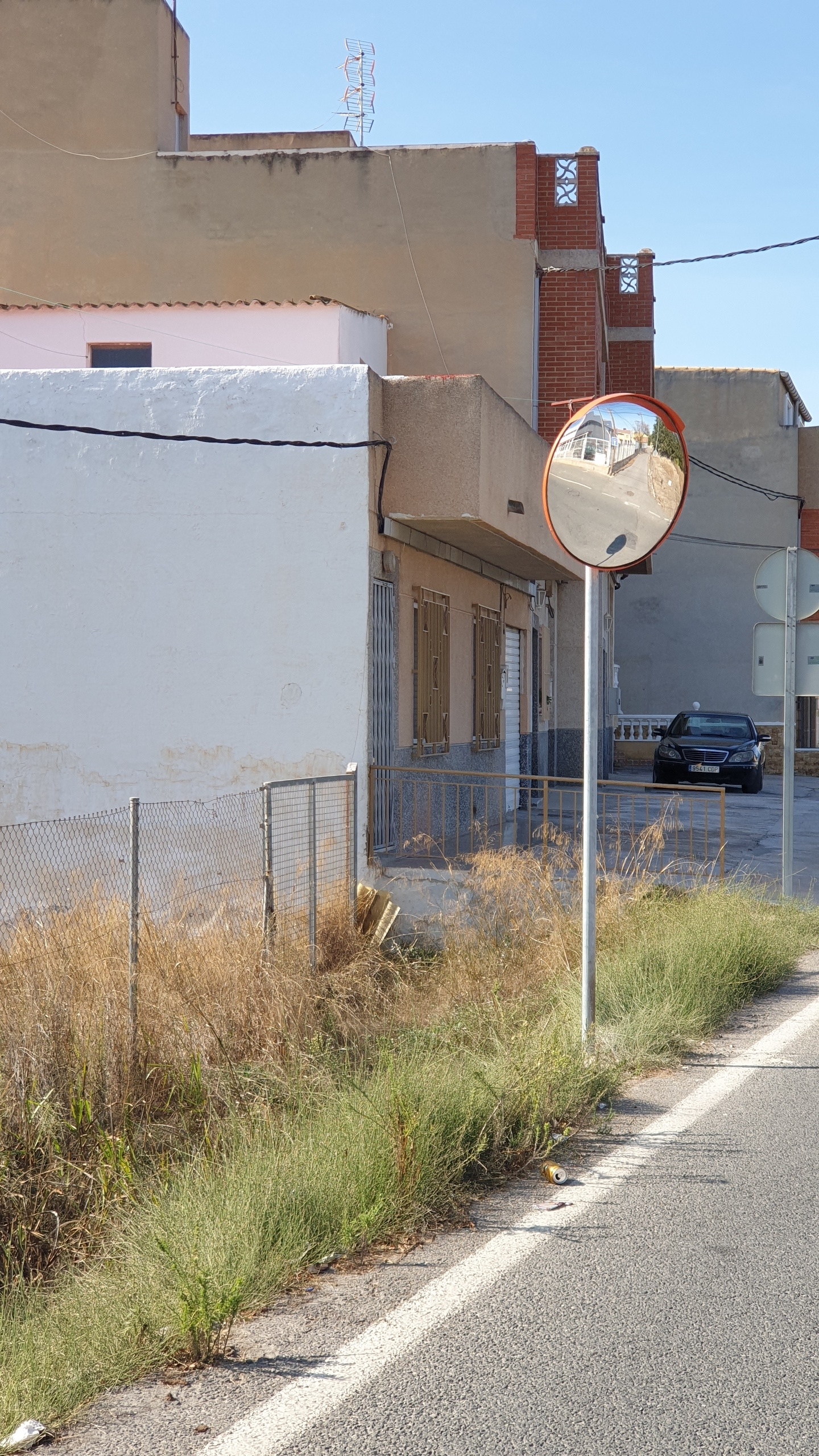 2020-10-24 Señal de tráfico reparada en Senda de Granada a petición de vecina de Joven Futura