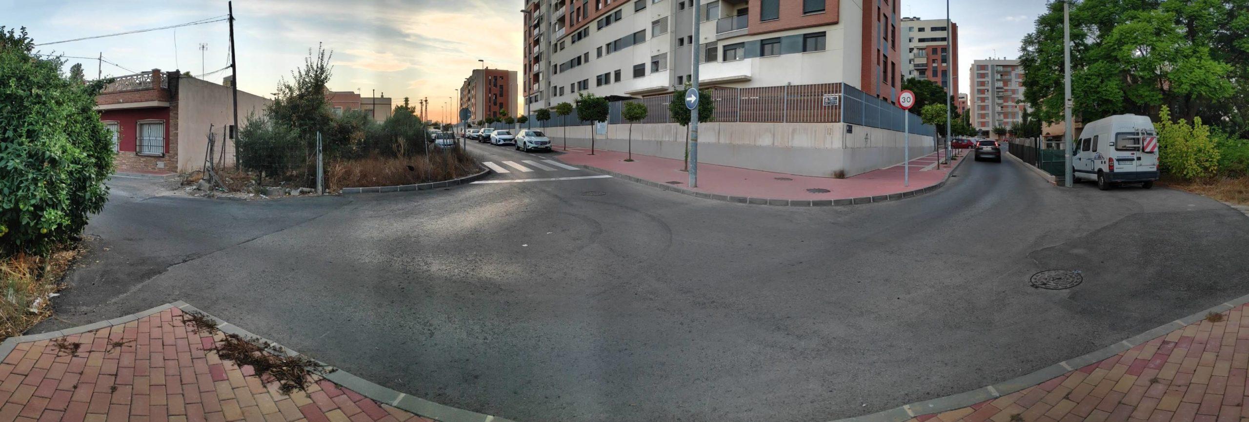 2020-09-12 Panorámica del cruce C/ Académicas del Jardín con Carril del Florero y calle escritor Jerónimo Tristante de Joven Futura.