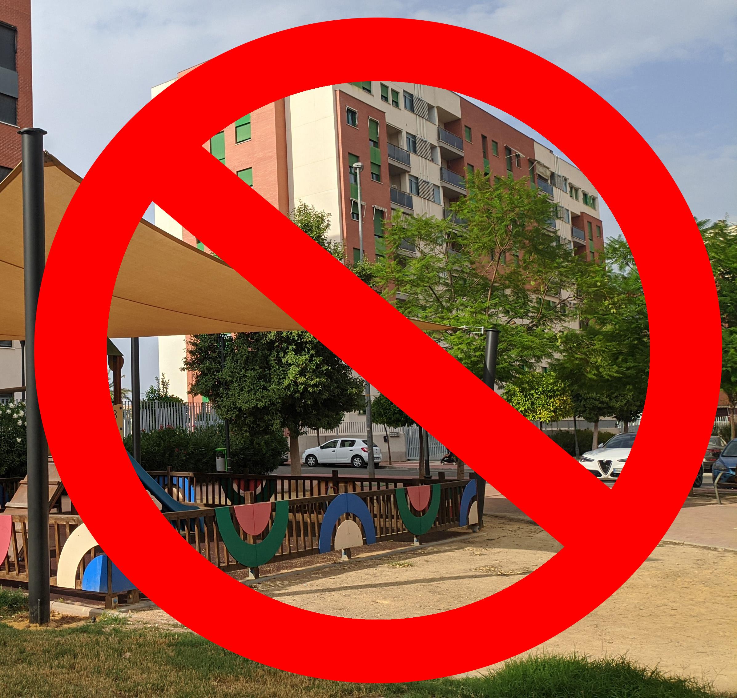 2020-11-07 Parques y juegos infantiles cerrados por COVID