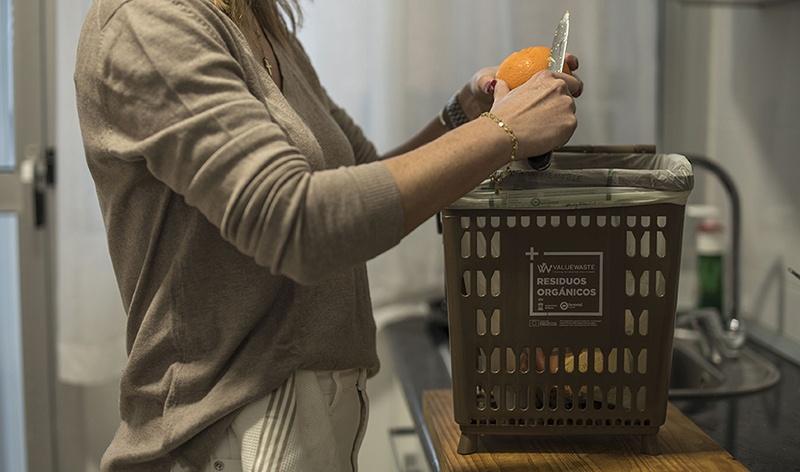 Quinto contenedor de residuos orgánicos para Joven Futura